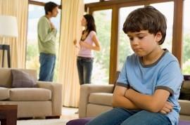 Как выписать из квартиры ребенка при совершении сделки?